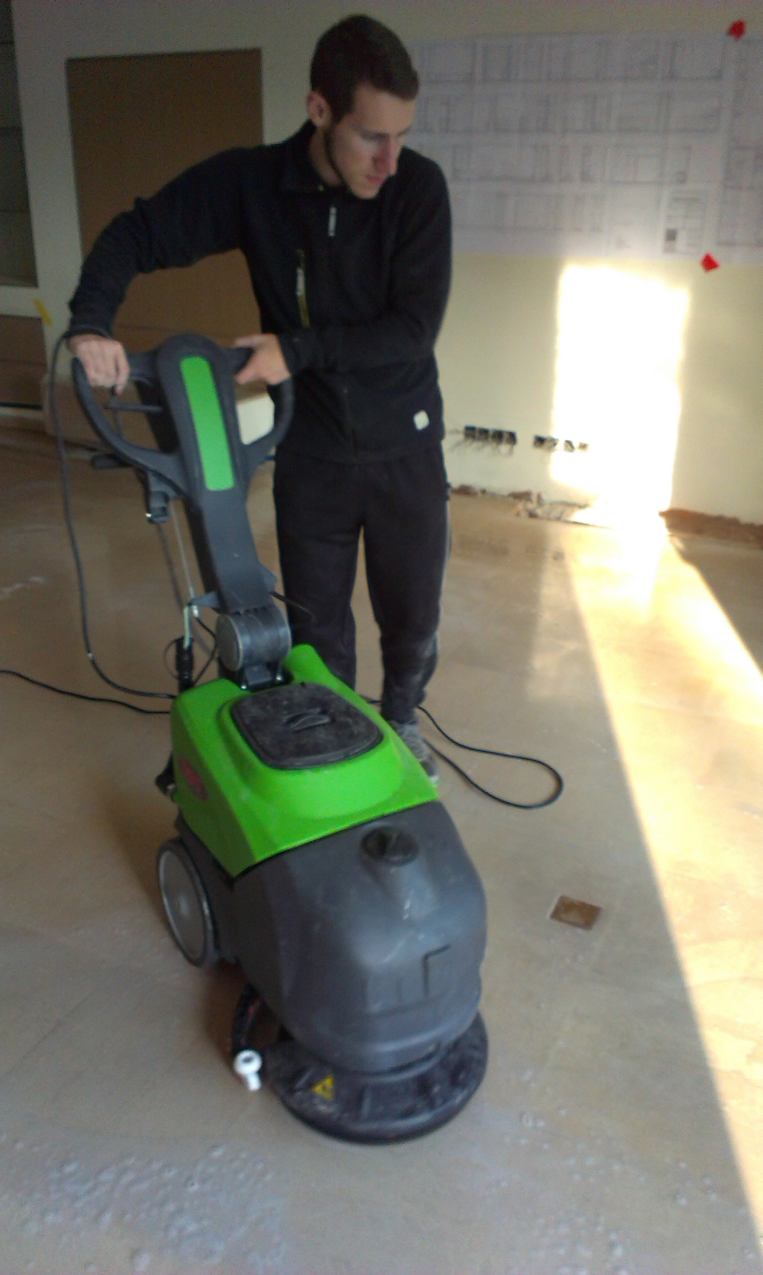 Stone Protection using a floor scrubber while cleaning with Oxy-Klenza